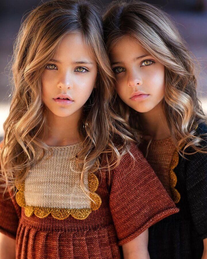 زیباترین دختران دوقلوی دنیا با میلیون ها طرفدار ( عکس )
