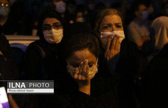 عکس و فیلم تجمع و شعار دادن مردم جلوی بیمارستان جم