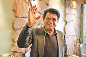 فیلم گریه های همایون شجریان و حضور مردم در انتظار تشییع استاد  شجریان در مشهد