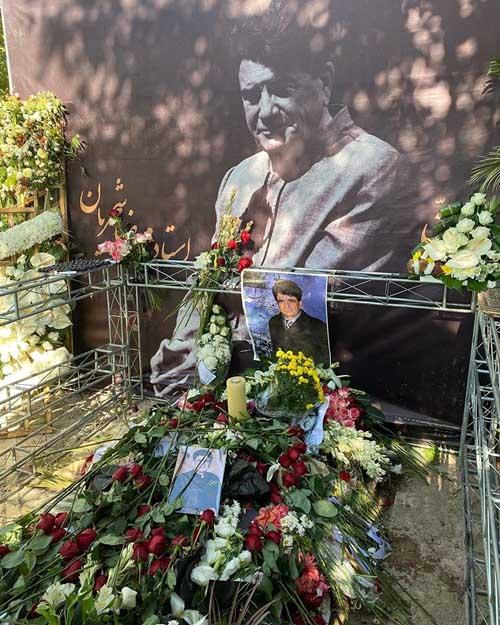 فیلم ها و عکس مراسم هفتم استاد شجریان در مشهد با حضور مردم و خانواده شجریان