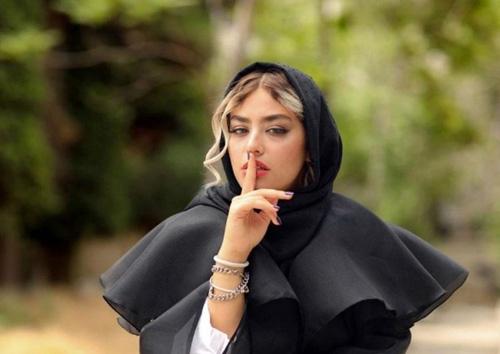 فیلم سند دوستی ریحانه پارسا و پویان مختاری در ترکیه
