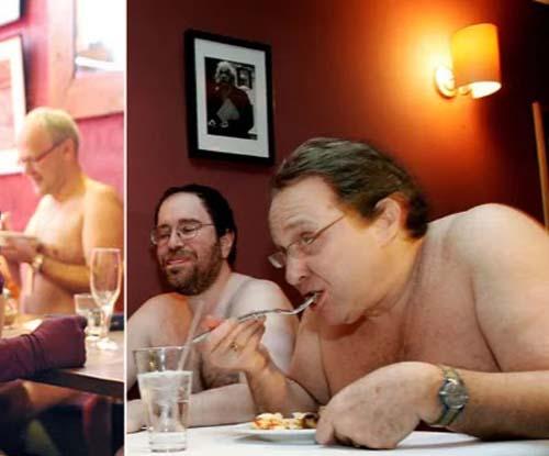 شرط حضور مردان و زنان لخت در رستوران برهنه ها ( عکس )