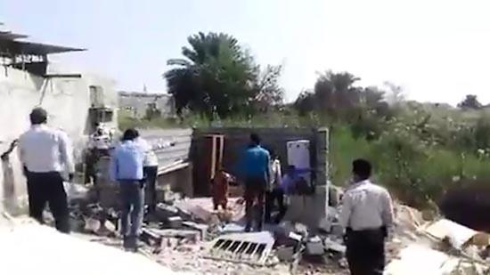 عکس و فیلم زن بندرعباسی که هنگام تخریب خانه اش خودسوزی کرد