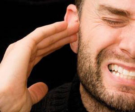 چرا گوش ها گاهی وز وز میکنند؟