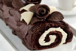 روش تهیه رولت شکلاتی خانگی با ترفند های ساده بدون نیاز به فر