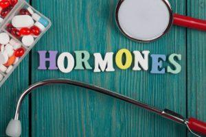 با روش های طبیعی و خانگی هورمون ها را متعادل کنید