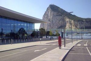 فرودگاه عجیب و غریب در جبل الطارق با ویژگی های خاص + عکس