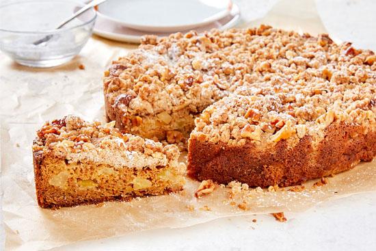 روش تهیه کرامبل کیک گردو و سیب خانگی