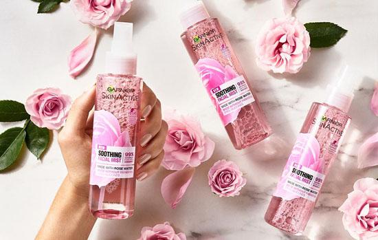 همه چیز درباره خواص گلاب برای پوست و مو و زیبایی