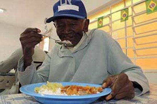 این مرد 126 سال به حمام نرفته است + عکس
