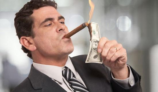 با ویژگی های افراد پولدار آشنا شوید