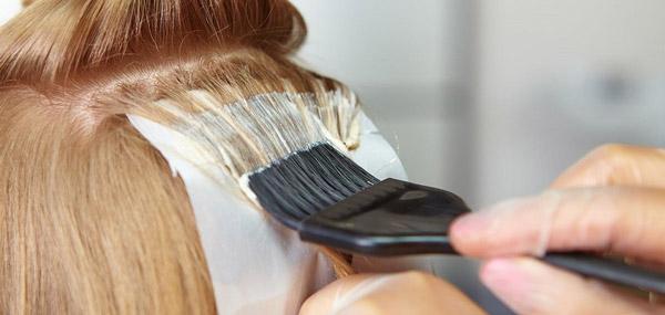 5 نکته مهم که قبل از رنگ کردن مو در خانه باید به خاطر داشته باشید