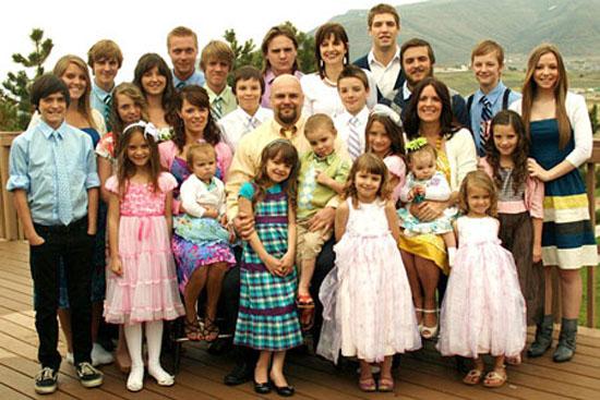 ازدواج با خانواده پرجمعیت و شلوغ خوب است یا بد ؟