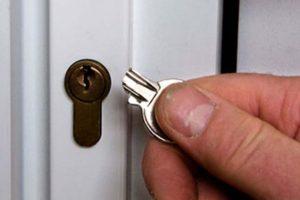 روش های عالی برای درآوردن کلید شکسته در قفل