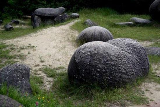 این سنگ های شگفت انگیز رشد میکنند + عکس