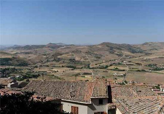 خانه هایی در ایتالیا به مبلغ 1 یورو اما به شرط