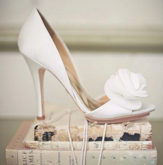 مدل های زیبا و لاکچری کفش سفید مخصوص عروس