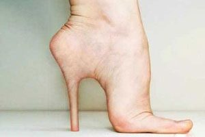 با این عمل جراحی پاهایتان را به حالت پاشنه دار تبدیل کنید + عکس