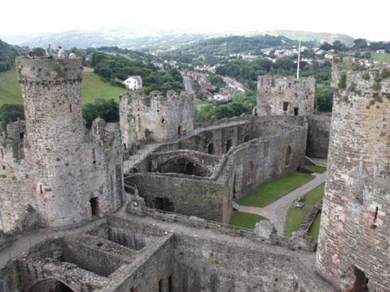 آشنایی بیشتر با قلعه کانوی مکان تاریخی و گردشگری در انگلستان