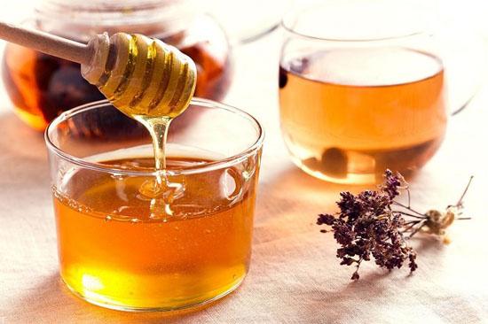 تست عسل طبیعی و عسل تقلبی با آب