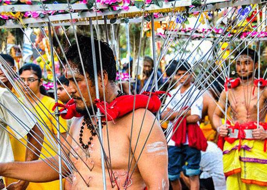 همه چیز درباره مراسم تایپوسام،سوراخ کردن بدن برای عبادت!