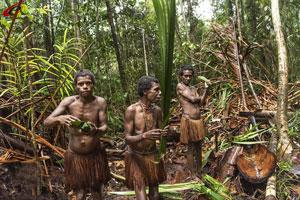 در این قبیله از جمجمه انسان لیوان ساخته میشود + عکس