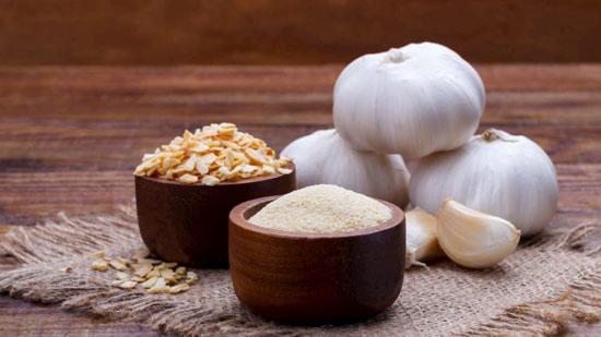 چه ادویه هایی را میتوانید جایگزین نمک خوراکی کنید؟
