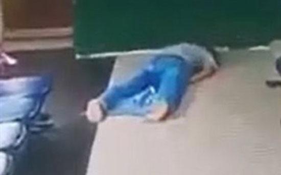 تصاویر لحظه مرگ یک پسر جوان در حین سجده نماز