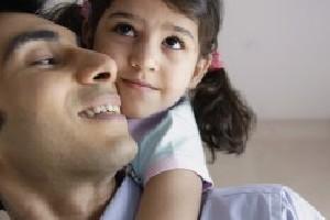 ارتباط مثبت پدر با دختر