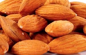 خواباندن  بادام در یاس چیست؟