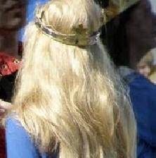 راه طبیعی داشتن موهای زیبا و بلند