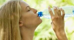 آب خنک برای پایین آوردن درجه حرارت بدن
