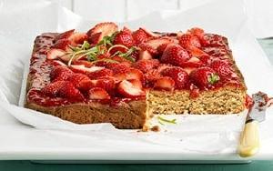 کیک توت فرنگی و نحوه ی پخت آن