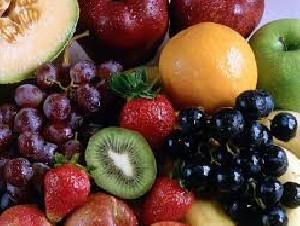 دلیل بالا بودن کالری میوهها قند است؟