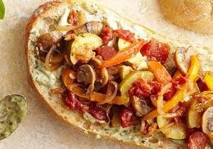 طرز تهیه ساندویچ مرغ با سس پستو