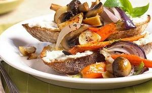 طرز تهیه سبزیجات تابه ای روی نان تست