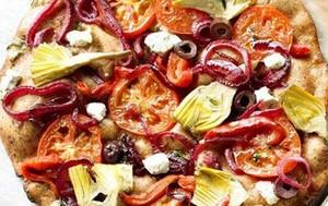 طرز تهیه پیتزا کنگر فرنگی طعمدار
