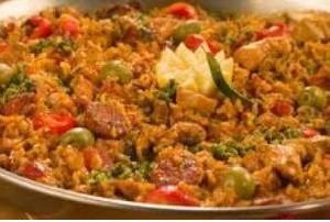 برنج و مرغ به سبک اسپانیایی را بخورید