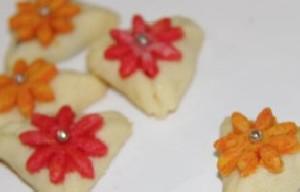 طرز تهیه شیرینی مثلثی