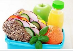 سه وعده اصلی غذایی روزانه