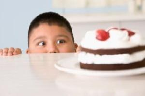 با چاقی کودکانمان چه کنیم؟
