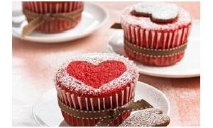 نحوه ی آماده سازی کیک قرمز