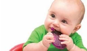 کودک چه زمانی به فلوراید نیاز دارد؟