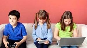 بازی رایانه ای و کودکان و مشکلاتش