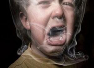 نوزادانی که پدرشان سیگار می کشند