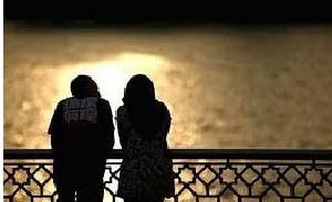 یک زوج جوان و دعای آنها