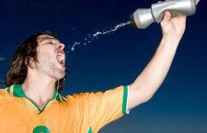نقش آب در بدن ما انسانها چگونه است؟