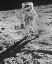 علاقمندان به رشته مهندسی هوا فضا بخوانند