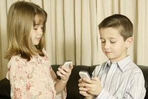 راهکارهایی برای ترک وابستگی کودکان به موبایل
