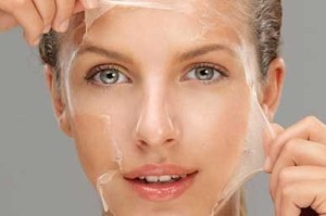 آموزش و ترفند لایه برداری از پوست در خانه